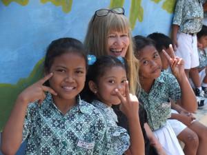 javanisch-deutsche Singsession in einer Grundschule in Solo, Zentraljava
