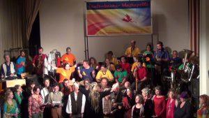 Schatzsuche statt Fehlerfahndung -Dorles Projekt mit Chor und der Lautenbacher Blaskapelle